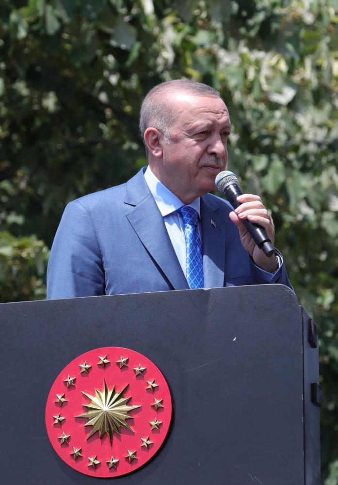 cumhurbaskani-erdogan-tank-palet-fabrikasi-nda-iscilere-seslendidzjrn1hds2